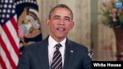 Trong bài diễn văn hàng tuần, ông Obama kêu gọi Quốc hội triển hạn bảo hiểm thất nghiệp cho những người bị sa thải trong cuộc khủng hoảng kinh tế.