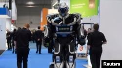 روبات NOX در بزرگترین نمایشگاه فناوری و نرم افزار در آلمان
