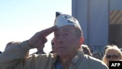 Čarls Elis, ratni veteran koji je preživeo napad na Perl Harbur na ceremoniji obeležavanja 70. godišnjice, 7. decembar 2011.