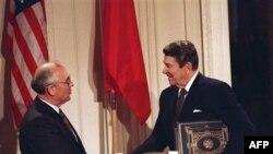 Михаил Горбачев и Рональд Рейган, 1987 год