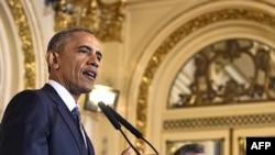 23일 아르헨티나를 국빈 방문한 오바마 대통령이 마우리시오 마크리 아르헨티나 대통령과 정상회담 후 열린 공동기자회견에서 발언하고 있다.