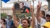 Navalni odlučio da obustavi štrajk glađu