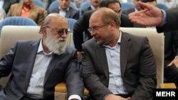 مهدی چمران رئیس شورای شهر تهران از سوی رسانه ها متهم شده بر تخلفات شهردار تهران سرپوش گذاشته است.
