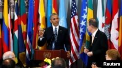 Prezidan Lèzetazini, Barack Obama a dwat ak Sekretè Jeneral Nasyonzini an, Ban Ki-moon a goch nan Nasyonzini, 20 septanm 2016
