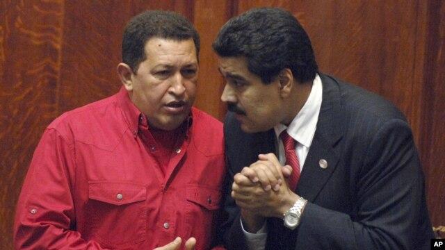 Tổng thống Venezuela Hugo Chavez và phó Tổng thống Nicolas Maduro.