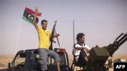 Лівійські повстанці захопили групу українців