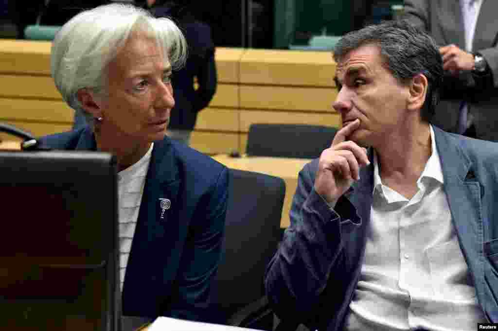 یورو زون کے رہنماؤں کے درمیان 17 گھنٹے تک برسلز میں یونان کے معاملے پر ملاقات جاری رہی۔