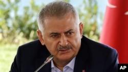 PM Turki Binali Yildirim mengumumkan penarikan RUU 'Pernikahan Anak' yang kontroversial hari Selasa 22/11 (foto: dok).