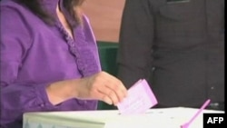 Cuộc bầu cử diễn ra sau 4 năm xáo động chính trị và đánh dấu một thử nghiệm nữa đối với nền dân chủ thường rất mong manh của Thái Lan