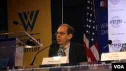 美国宾州大学东亚研究中心主任戴杰 (美国之音钟辰芳拍摄)