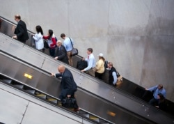 [VOA 현장영어 오디오] You're not supposed to run on the escalators