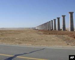 草原的修路搭桥工程