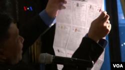 Proses penghitungan surat suara yang masuk melalui pos di TPS KBRI Washington DC, dalam Pileg 2014 (Foto: Screen grab/VOA). Koalisi tidak bisa terhindarkan karena tidak ada partai politik (parpol) yang meraih 25 persen suara, batas minimal untuk mengajukan calon presiden dan wakil presiden.