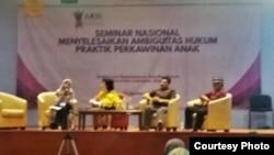 Seminar tentang menyelesaikan ambiguitas hukum praktik perkawinan anak di Universitas Indonesia, Senin (14/8). (Foto: Courtesy)