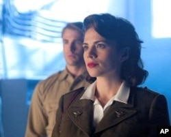 "Hayley Altwell and Chris Evans in ""Captain America: The First Avenger"""