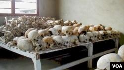 Bukti terjadinya genosida di Rwanda yang kini disimpan di museum genosida (foto: dok).