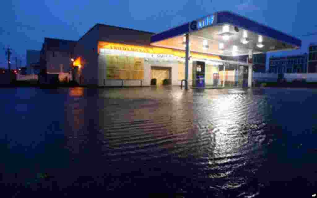 طوفان بحری ایالات سواحل شرقی امریکا را در نوردید