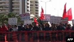 Tubimi i opozitës në Vlorë