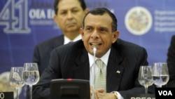 El presidente hondureño, Porfirio Lobo, agradeció personalmente la readmisión de su país a la OEA.