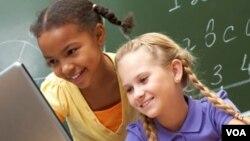 Usar Facebook crea, para los niños y sus amigos, riesgos de seguridad, protección y privacidad.