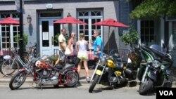 En Estados Unidos y en todo el mundo, desde los fanáticos hasta el público en general, suelen admirar los diseños de Harley-Davidson.