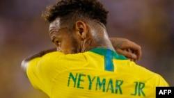Le Brésilien Neymar lors du match amical international opposant le Brésil et les Etats-Unis au Metlife Stadium à East Rutherford, New Jersey, le 7 septembre 2018.