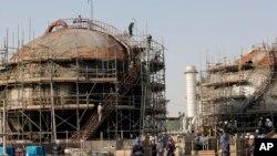 تاسیسات نفتی عربستان که در حمله موشکی سپتامبر ۲۰۱۹ آسیب دید