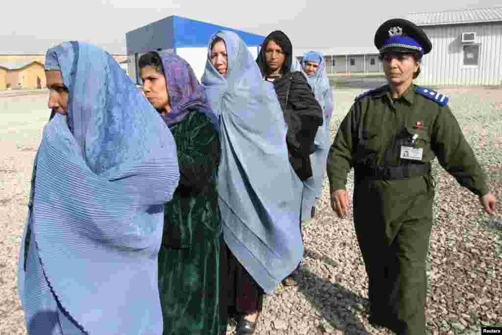 توقع ہے کہ عورتوں میں روپوش ہونے والے طالبان کو بھی یہ افغان خواتین پولیس اہلکار ڈھونڈ نکالیں گی۔