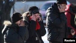 Галина Баева с сыном и мужем оплакивают погибшего сегодня отца