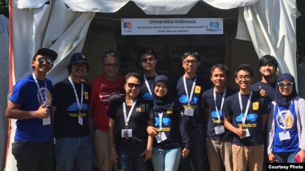 Tim Universitas Indonesia dalam Kompetisi RoboBoat Internasional 2016 di Virginia, AS. (Courtesy: Harry Mukti/UI)