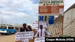 Protestos juntos do Tribunal Provincial de Luanda