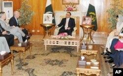 امریکی وفد نے اسلام آباد میں صدر زرداری سے ملاقات کی