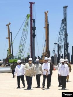 Dibangun di atas lahan 100 ha, smelter PT Freeport Indonesia ini akan menjadi smelter single line terbesar di dunia. (Twitter/jokowi)