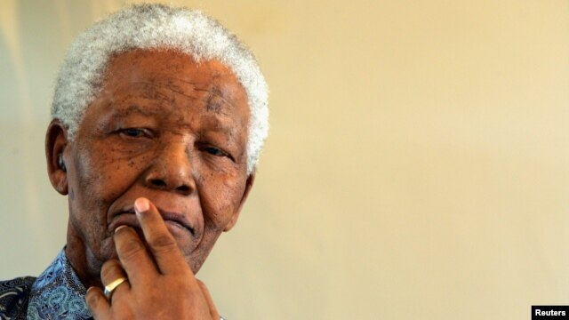 Former South African President Nelson Mandela (file photo)