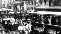 1897年的费城--马车和电车行驶在同一条街上