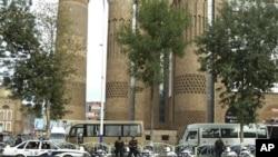中国指责穆斯林极端分子在咯什进行恐怖袭击,警方8月1日加强在乌鲁木齐的警戒