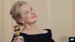 خانم استریپ یکی از جوایز گلدن گلوب اش را برای «جولی و جولیا» در ۲۰۱۰ دریافت کرد.