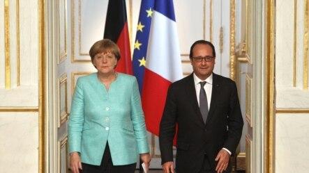 Tổng thống Pháp Francois Hollande và Thủ tướng Đức Angela Merkel tại điện Elysee, Paris, ngày 6/7/2015.