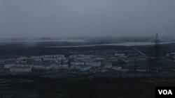 Российский шахтерский город Никель, недалеко от границы с Норвегией.