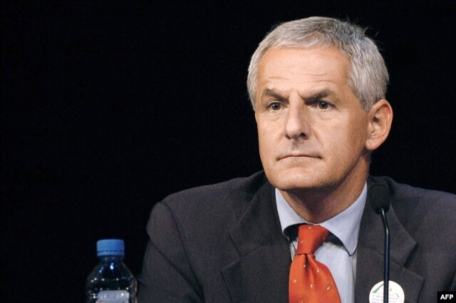FILE - Joep Lange during a conference in Paris, July 14, 2003.