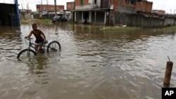 Chuvas torrenciais isolam partes da Huíla