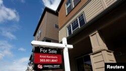 Archivo - La venta de casas en EE.UU. bajó un 10.3 % en diciembre pasado.