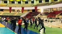 Des danseurs en repetition au Palais des Sports de Ouaga2000, Ouagadougou, le 15 octobre 2021.