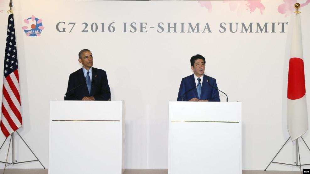Tổng thống Mỹ Barack Obama (trái) và Thủ tướng Nhật Shinzo Abe tại hội nghị thượng đỉnh của G7 ở Ise-Shima, Nhật Bản, ngày 25/5/2016. Chính phủ Nhật Bản đang phối hợp với các nước trong nhóm G7 để ra tuyên bố chung yêu cầu Trung Quốc tôn trọng phán quyết quốc tế sắp tới về Biển Đông.
