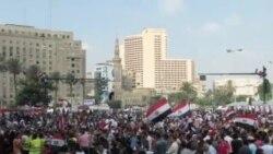 埃及大批民眾聚開羅促總統下台