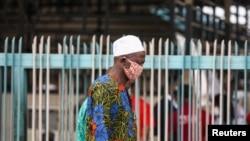 Les Nigérians procèdent au déconfinement progressif
