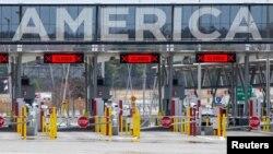 Cửa khẩu Mỹ-Canada giữa đại dịch COVID-19 tại Lacolle, Quebec, ngày 17/4/2020.