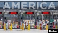 ARHIVA Granični prelaz između Kanade i SAD u Lakolu u Kvebeku, 17. aprila 2020.
