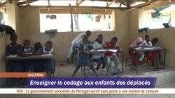 Les enfants des déplacés apprennent le codage