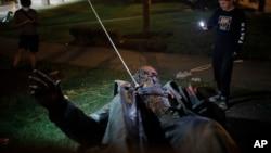 2020年6月20日,首都华盛顿唯一的一座南北战争时期南方邦联派克将军的雕像被推倒。